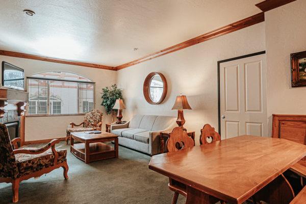 1 bedroom villa living dining